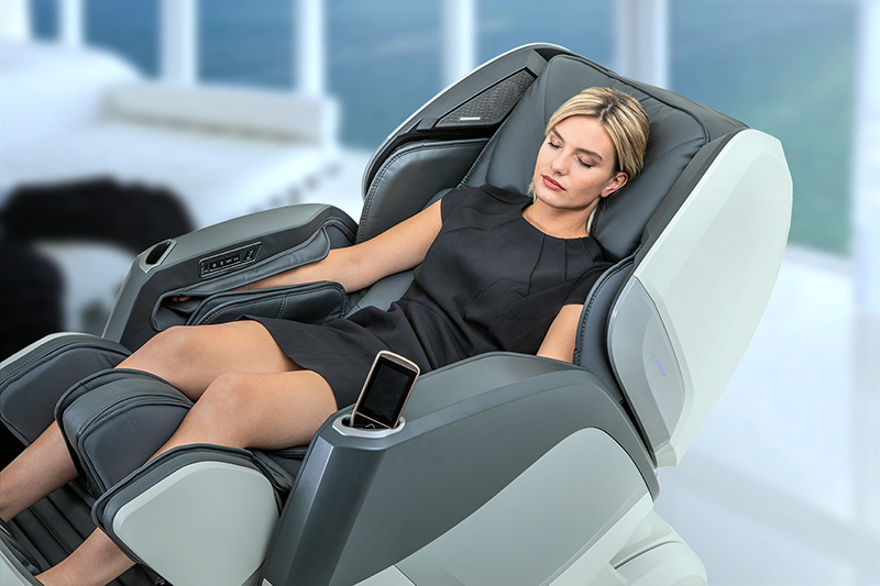 Массажное кресло CASADA Aura (Аура) белый